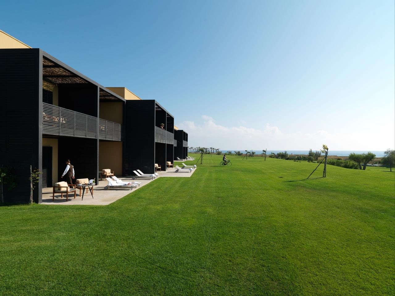 Verdura-Golf-Spa-Resort-Courtyard-Buildings-3378